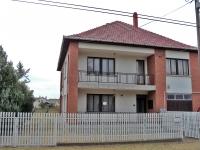 Szatymaz község eladó 147m2-es családi ház 1100m2 telek 2 szint ingatlan hirdetéshez feltöltött kép