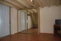 Budapest XIII ker kiadó lakás 30m2-es bútorozott, galériázott 1 szoba ingatlan hirdetéshez feltöltött kép