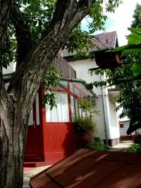 Dunakeszi eladó családi ház 130m2 5 szoba Tóváros melletti utca kétszintes ház ingatlan hirdetéshez feltöltött kép