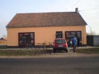 Kisdombegyház központban eladó 160 m2 üzlet helyiség jelenleg bolt ingatlan hirdetéshez feltöltött kép