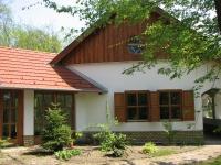 Kecskemét eladó 220m2 családi ház 1 hektáros akácos erdõ közepén kúria ingatlan hirdetéshez feltöltött kép