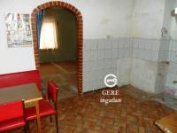 Eladó ház Vácon a Dózsa Gy. úton. 6.9 M Ft 49m2 80m2 kis udvar ingatlan hirdetéshez feltöltött kép